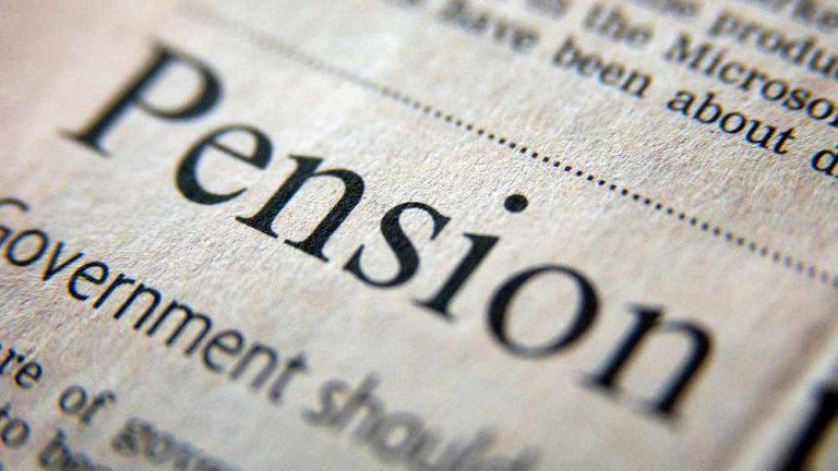 <span style='color:#313131;font-size:18px; font-weight: 400;line-height: 21px; font-family: Open Sans; display: inline-flex; margin-bottom: 20px;'>A ËSHTË I MUNDSHËM NJË SISTEM PENSIONAL I NDARË NGA KARRIERA?</span><br> Për një pension realisht universal